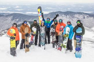 Group snowboarders