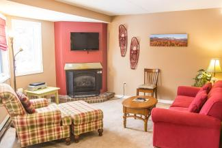 Slopeside Condo 702 Living Room